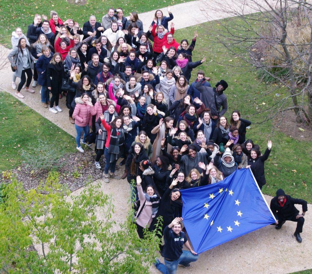 Photo-participants-drapeau_coupee-2.jpg