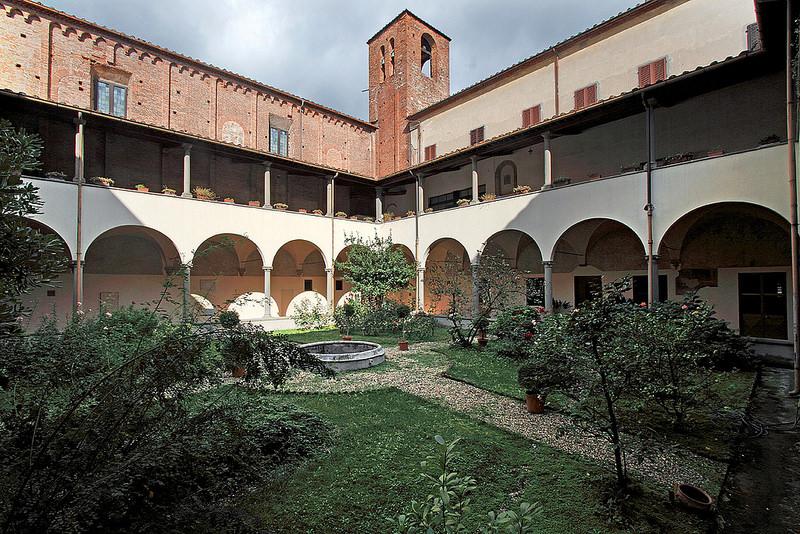PISTOIA-CONVENTO-DI-SAN-DOMENICO-CHIOSTRO.jpg